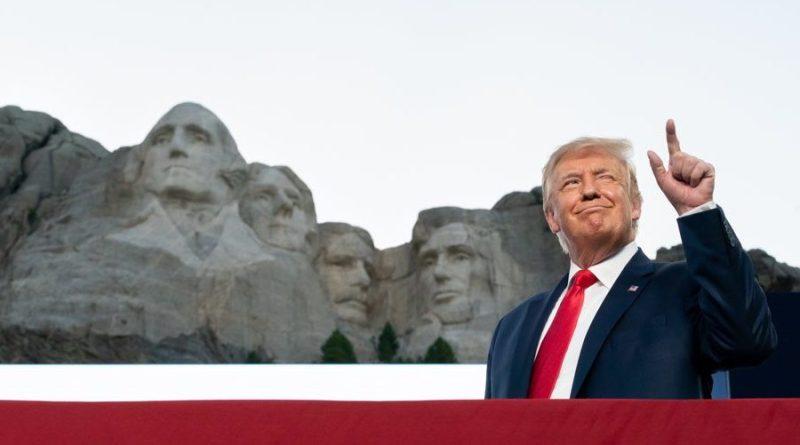 """Trump dice que """"es buena idea"""" que esculpan su rostro en el monte Rushmore"""