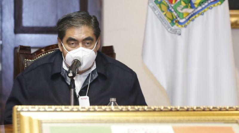 Pide Barbosa aceptar cierre para bajar contagios de Covid-19