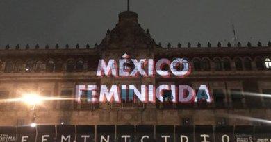 Valla de Palacio Nacional es «para evitar violencia»: AMLO