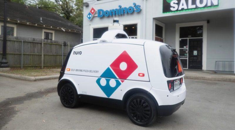 Domino´s Pizza hace entregas con robots en Houston