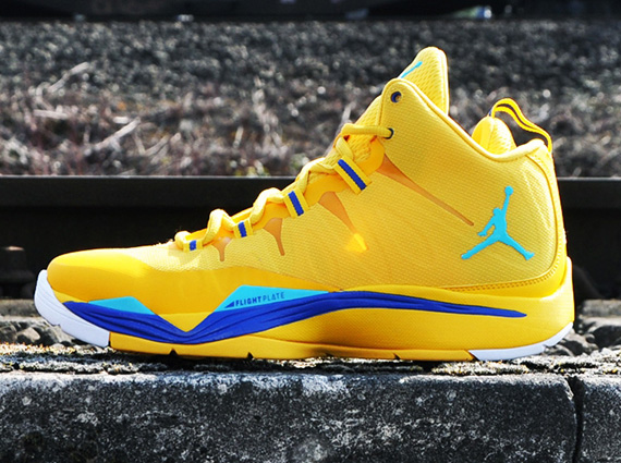 jordan-super-fly-2-varsity-maize-gamma-blue