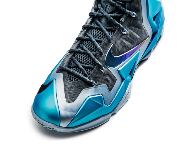 nike-lebron-11-gamma-blue-officially-unveiled-9