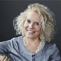 Author Cyndi Dale