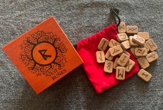 Rune Set Deluxe Wooden Runes