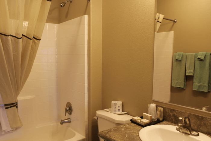 Goulding's Lodge One Bedroom Suite With Kitchen Monument Valley Bathroom