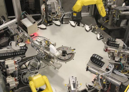 an image of flexible (soft) automation in manufacturing on the factory floor
