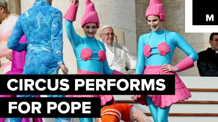 The-Circus-Puts-on-a-Special-Performance-for-Pope-Francis-in-the-Vatican-City