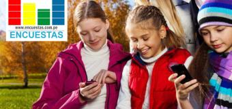 Estudio: Los niños pasan más de 30 horas por semana en un teléfono