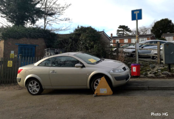 Vehicle clamped Alexander Road