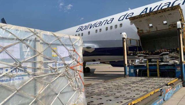 Respiradores, pruebas y medicamentos contra el COVID-19 llegan en cinco vuelos