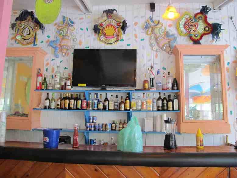 Best Nassau Bars for a Cruise Stopover