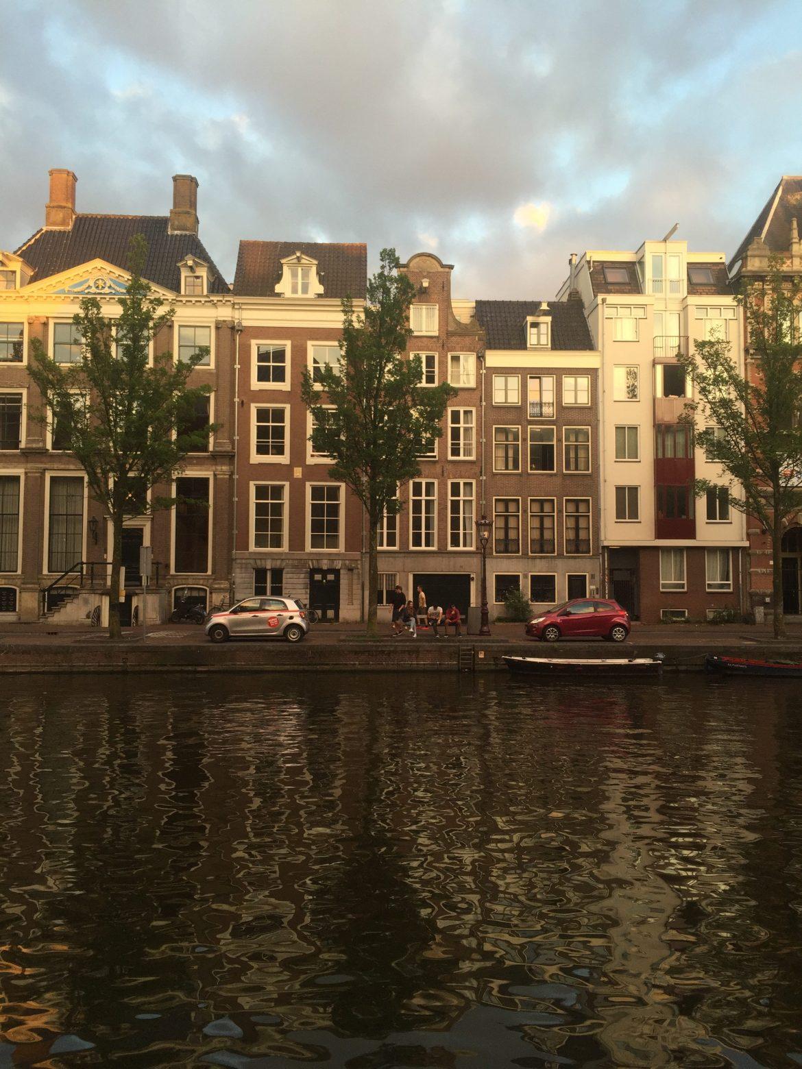 Amsterdam    www.endlessmay.com