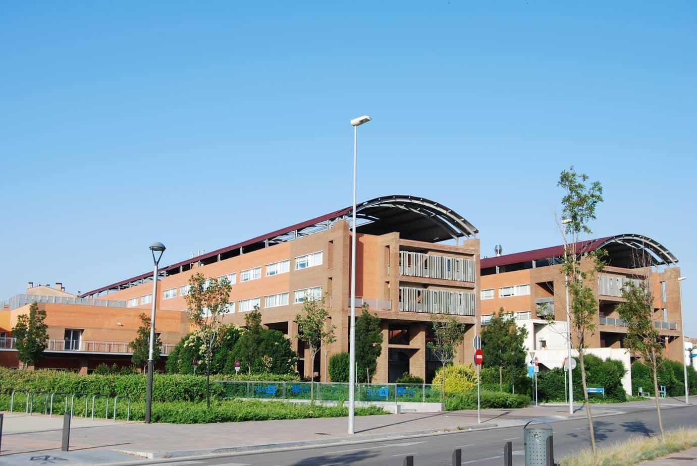 El Hospital de Igualada inaugura la primera escuela internacional de endoscopia ginecológica. Foto del Hospital