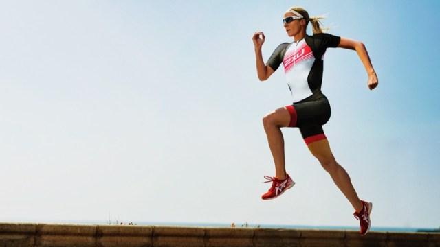 2XU athlete running