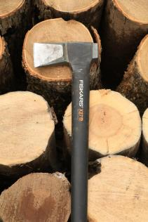 fiskars splitting axe