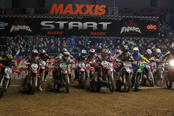 start_superenduro_2015-rnd2_MG_2238