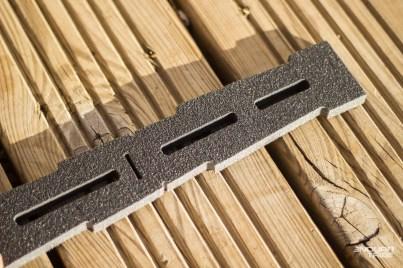 Pour le 29 pouces, pas de découpe nécessaire. Pour le 27,5, une marque de découpe (cutter), et une autre fente sont prévues.