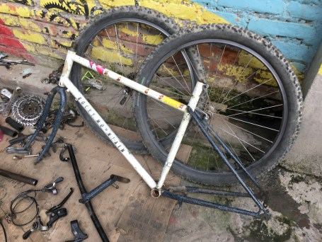 12-a-old-ocky-mountain-bicycle-at-the-workshop