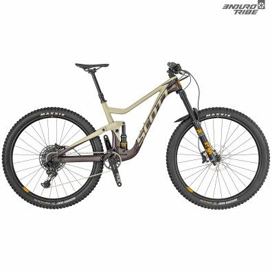 Scott Ransom 920/720 : disponible en roues de 27,5 comme 29 pouces. Système Twinloc Facelift. Amortisseur Fox Nude T / Fourche Fox 36 Float Grip 3 Performance / Transmission SRAM NX Eagle / Freins Shimano MT520 4 pistons / Roues Syncros Revelstoke 2.5 / Cintre-potence Syncros Hixon 30mm. 3799€