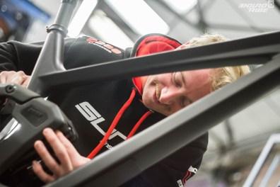 Mathieu Durand, lui, est le Team Manager du Sunn Enduro Factory Team. Dans le projet, il rassemble les retours des pilotes, et les représente dans les échanges avec la marque.