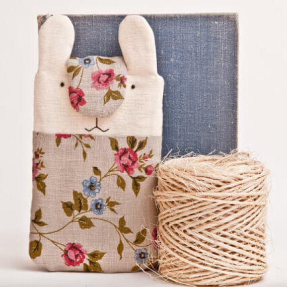 Handgenähte iPad Hülle – Bunny mit Blümchen