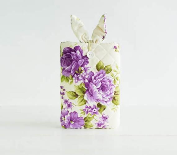 Multifunktionale Tablet-Hülle – Hasenohren und Blumenmuster