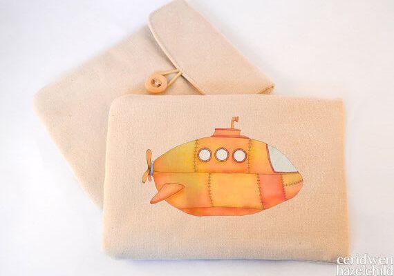 Tablet Sleeves mit Illustration – Yellow Submarine