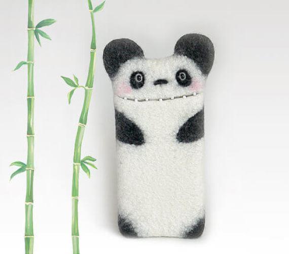 Handgemachte Tablet Hülle aus Filz – Panda mit Ohren
