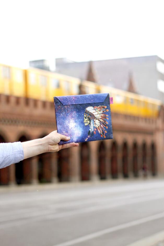 Dünnes Tablet Cover als Briefumschlag – Galaxy Indianer