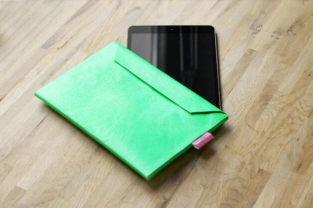 Dünnes Tablet Cover als Briefumschlag – Neon Grün