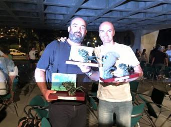 Con los premios
