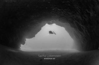 20170626-1025-SachaLobenstein-enelmar.es-Playa Chica < Puerto del Carmen