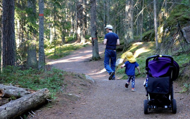 motion för barn i skogen