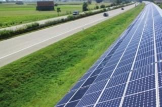 El Ejecutivo está utilizando la Ley 24 del Sector Eléctrico para asfixiar al sector de las energías renovables