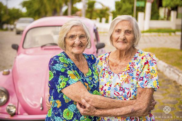 15 - Dvojčata oslavila svých 100 let jako za mlada