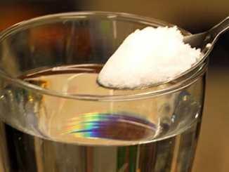 b24c3b47b5fe6231bb13fc47575e53b6 - Pitím osolené vody důkladně očistíte své tělo