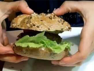 0e37d0a49498f704e46c1d54d9f5e565 - Pochutnejte si na bezmasém burgeru z quinoy