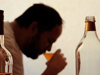 Závislost na alkoholu manipuluje s vytvářením vzpomínek.