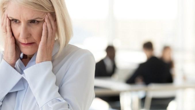 Jak zvýšit hladinu estrogenu nejen během menopauzy. Hormonální nerovnováha, estrogen a jeho nedostatek můžou totiž dosti potrápit.