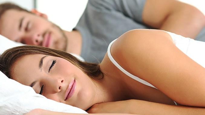 Jak rychle usnout třeba do pěti minut.
