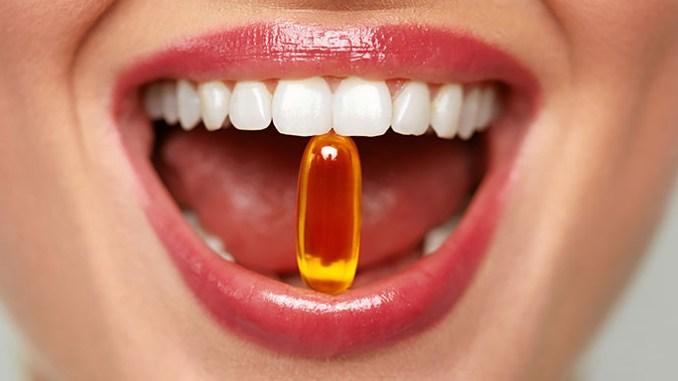 Kombinace doplňků stravy a léků: co nebrat současně. Například rybí olej se nedoporučuje užívat současně s léky na snížení tlaku.
