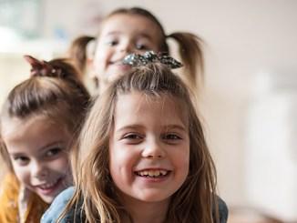 Nejstarší sourozenec bývá nejchytřejší, potvrdili vědci.