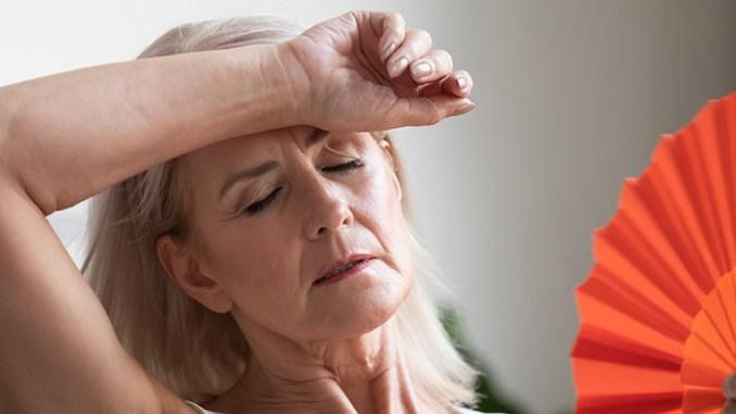 Návaly horka a pocení při menopauze se dají zmírnit.