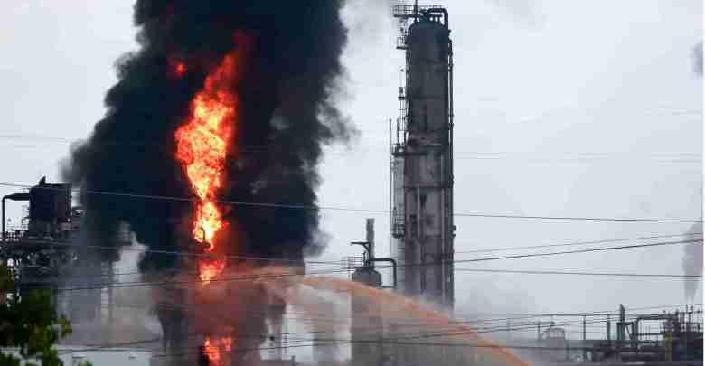 Photo of Explosión e incendio masivo en planta de Exxon Mobil en Texas