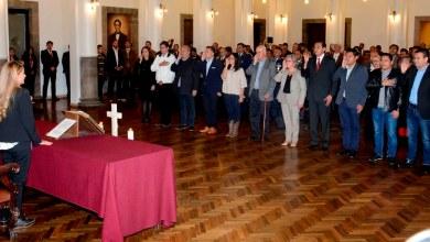Photo of Añez posesiona a primeros 11 ministros de Estado para la etapa de transición