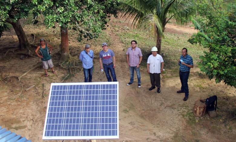 Photo of Arce entrega sistemas fotovoltáicos domiciliarios en Riberalta