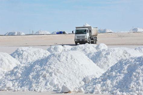 Photo of Gobierno lanza convocatoria internacional para acelerar la industrialización del litio