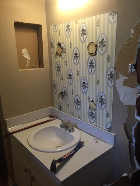 The original wallpaper in this 1970 bathroom