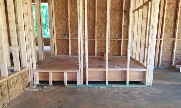 Missed-insulation-air-barrier-garage-stoop-1