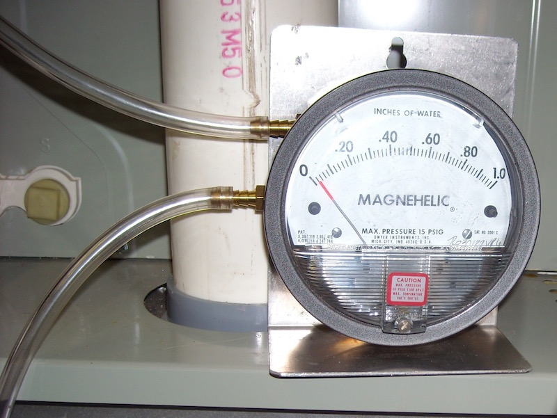Static-pressure-drop-magnehelic-gauge